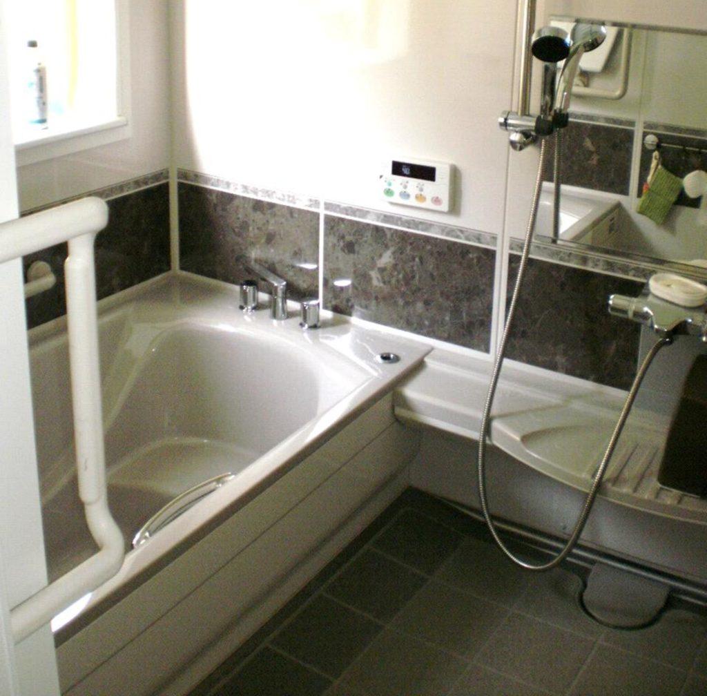 増築工事・玄関・ダイニング・キッチン・浴室・トイレリフォーム工事
