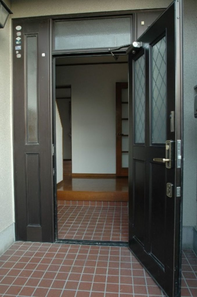 玄関ドア、キッチン、洗面台、浴室、トイレ、内装工事